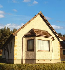 Photo for Less than 10 minutes drive from the city centre, Inverness country apartment