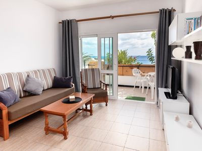 Photo for Beautiful Apartment On the Beach with Terrace & Gorgeous Ocean View; Street Parking Available