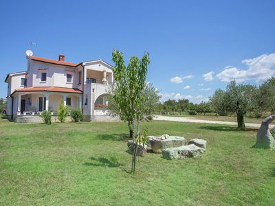 Photo for Apartment on the first floor with balcony, 6 km from the resort town of Porec