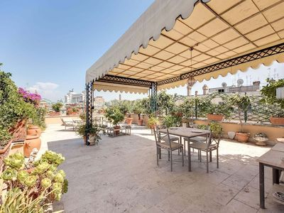 Photo for Apartment in the center of Rome with Internet, Air conditioning, Lift, Terrace (18105)