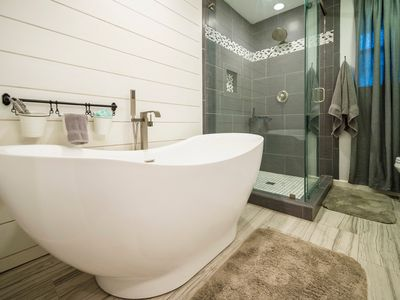 Photo for Guesthouse on Small Farm  17 Minutes to Silos & Baylor!