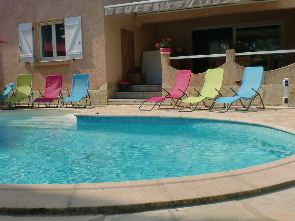 Rent Villa In The Week 150m2 With Swimming Pool Near 1453444