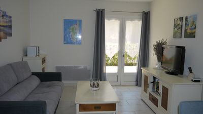 Photo for Charming F2 with terrace and parking on the ground floor of a private villa