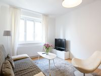 Lovely clean and light apartment with everything we needed. Megan met us and explained everything t