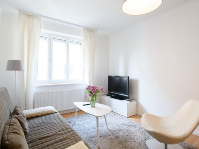 Photo for Vienna Opera Apartment, 5 min. Walk to the center, 4 guests, quiet and bright