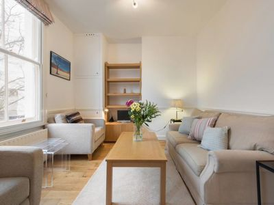 Photo for Tasteful 2 bed apt close to Earl's Court Tube