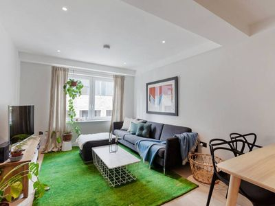 Photo for Tranquil 1-Bed, Sleeps 4, 10 mins to Angel Tube