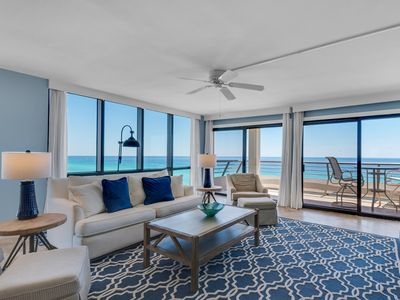 Photo for Charming Unit Sleeping 6! Located in the Heart of Destin, Great Amenities, Beach Access!