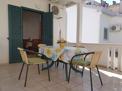 Photo for Mihovic four-bed apartment with terrace