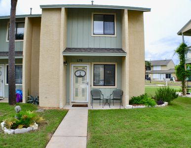 Photo for Beautiful 2-Bed Townhome Only a Short Walk to the Beach!