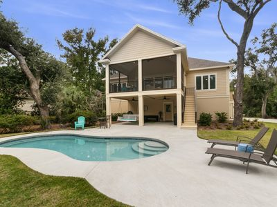 Gorgeous Lakefront Home with Private Pool! Close to the Beach and Golf!