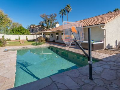 Photo for PRIME LOCATION!Stunning Home mins from Shopping, Nightlife, Eating, Golf,Etc