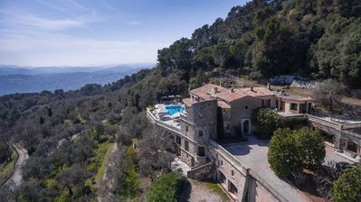 Photo for Magnificent property with stunning sea views and 7  bedrooms to sleep up 14.