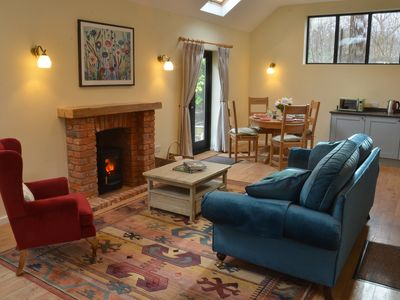 Photo for ★Tulip Tree Cottage★ Huge Garden+village setting+near Canterbury+dog friendly
