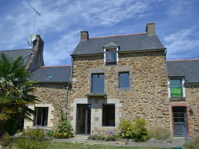 Photo for Beautiful stone farmhouse, renovated, all comfort between Land, Sea and Rance