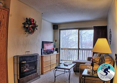 <center>Gas fireplace to keep you warm all year round<center>