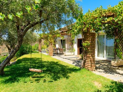 Photo for Wonderful private villa for 6 guests with WIFI, A/C, private pool, TV and parking