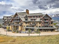 Great property at the base of Peak 7!