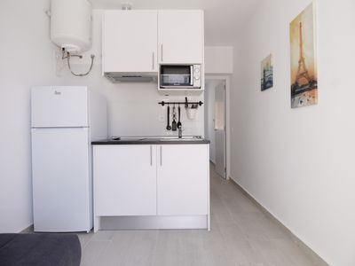 Photo for One Bedroom Apartment with A/C in Usera, SAN3