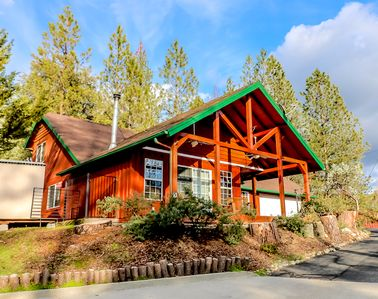 Photo for Remodeled Cabin with a Bass Lake View, close to Pines Village