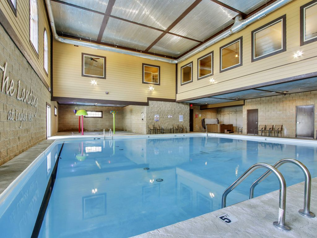 Property image14 ozark mountain dream next to silver dollar city indoor pool