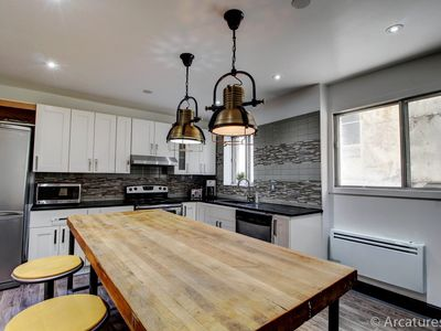 3BR steps from downtown & Atwater Market