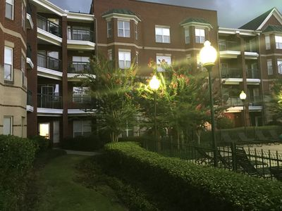 VISTA One Bedroom Condo in a Secured Building with Gated Parking(Sleeps 4)