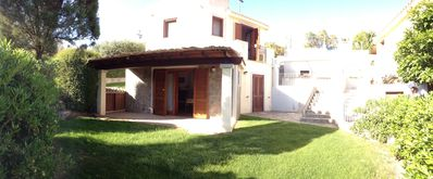 Photo for Bright Villa with garden, air conditioning, barbecue, and private parking.