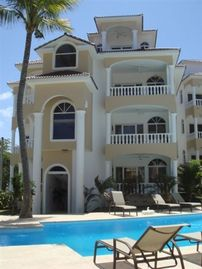 Search 464 holiday rentals