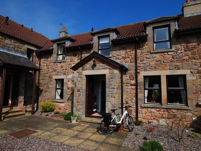 Photo for Beautiful steading cottage with panoramic views over St Andrews