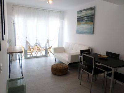 Photo for Sunbeach apartment in Corralejo with WiFi, private terrace, shared garden & balcony.