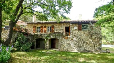 "Photo for Provencal house, ""Aix countryside"" in classified wooded site"