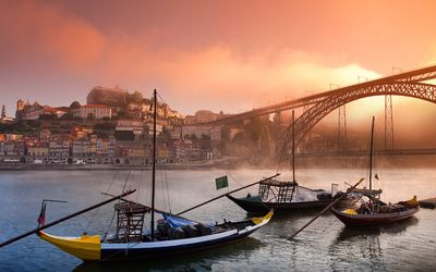 Photo for Accommodation in the city center of Gaia 8 minutes from the center of Porto