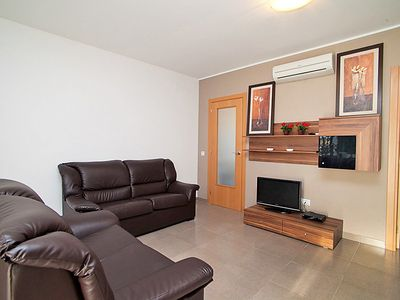 Photo for Apartment in Riumar with Parking, Internet, Washing machine, Air conditioning (89925)