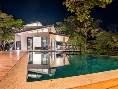 Photo for Beautiful & Modern Home, Pool, BBQ, Central AC + Full Concierge Services
