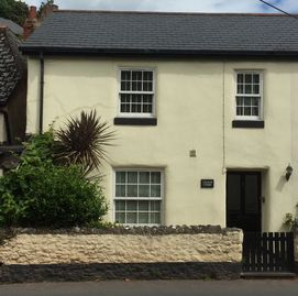 Beautiful 5* rated cottage in delightful South Devon village location