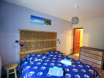 Photo for Périgord Noir, Cozy 4/6-person gîte, 2 bedrooms, in a pretty park with swimming pool