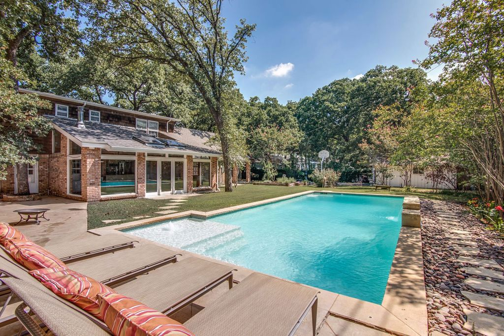 Pool, Hot Tub and only a few minutes from Downtown Dallas and the DFW  Airport! - Irving