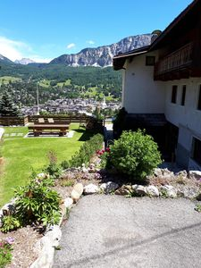 Photo for Apartment Cortina 2 + 2 beds on the Tofana slopes, garden and parking space