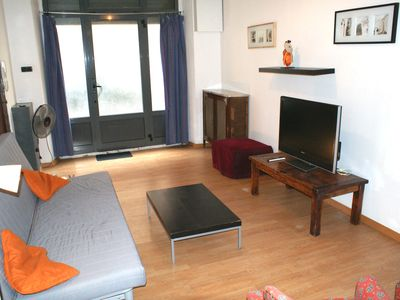 Photo for Huge Family Apt With Patio: Central Barcelona