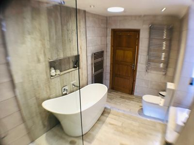 *Newly refurbished luxury bathroom. Features slipper bath and walk in shower.