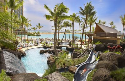 Hilton Hawaiian Village - 5 Star Premier Oceanfront Resort! Huge 2 Bedroom Unit!