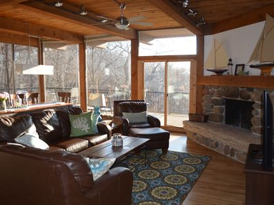 Lakefront retreat on 3 acres! 6BR house sleeps 17, pier for your boat!