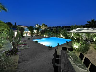 Photo for Wonderful villa with a swimming pool, a courtyard and wide spaces.Ideal place for groups.