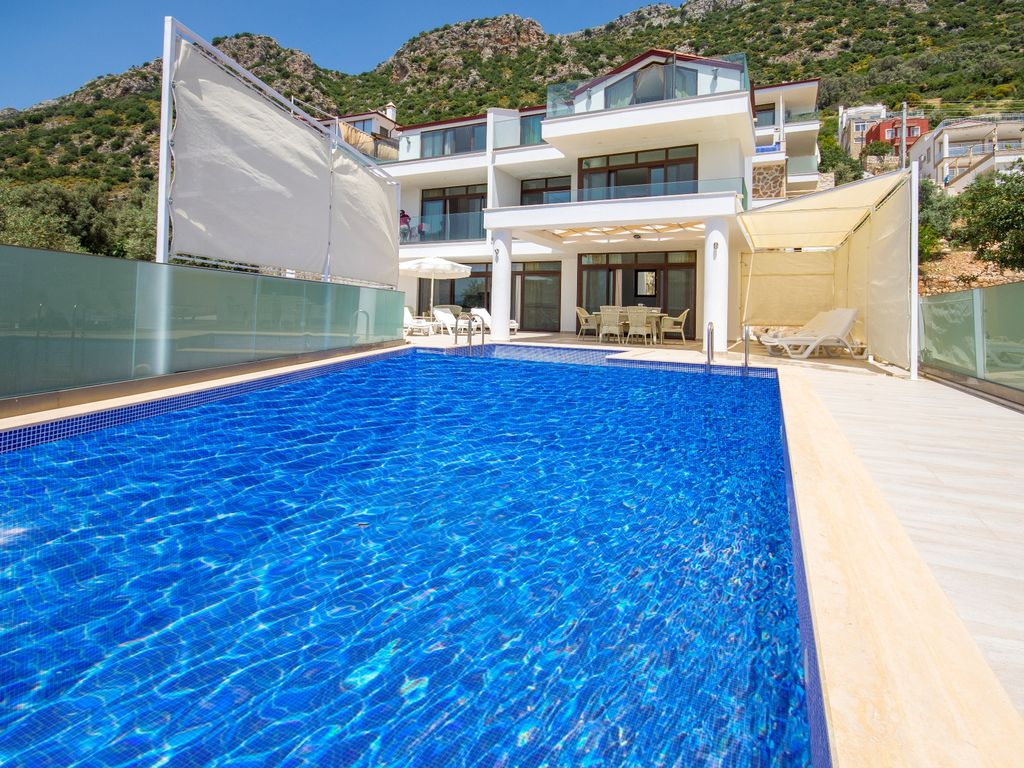 Ideal Villa for Large Groups, Large Pool, Great Views, Outdoor ...