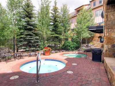 Photo for Gorgeous condo in town and walking distance to hiking trails - outdoor pool & hts