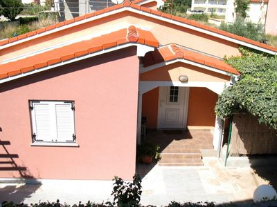 Photo for Holiday apartment with air conditioning and barbecue