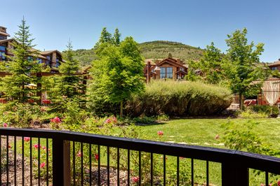 Location - Located at the Canyons Village base of the Park City Resort, your rental is set in the heart of an all-season playground with exclusive access to both skiing and snowboarding.