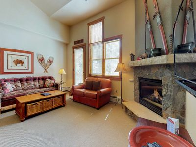 Photo for 3-level 3 bedroom 3 bathroom townhouse within walking distance to River Run lift