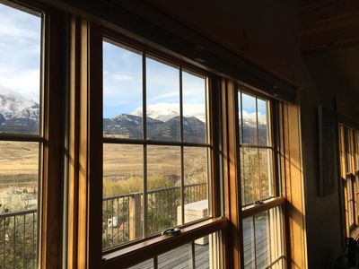 Yellowstone Archview Guesthouse- Stunning Views For Your Ultimate Family Getaway